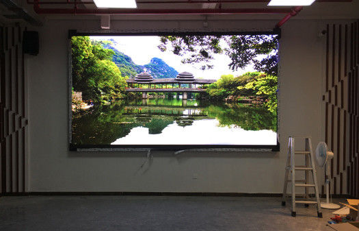 800nits Brightness Small Pixel Pitch LED Display High Stability Wide Viewing Angle